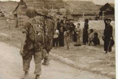 Combat-fouille-village
